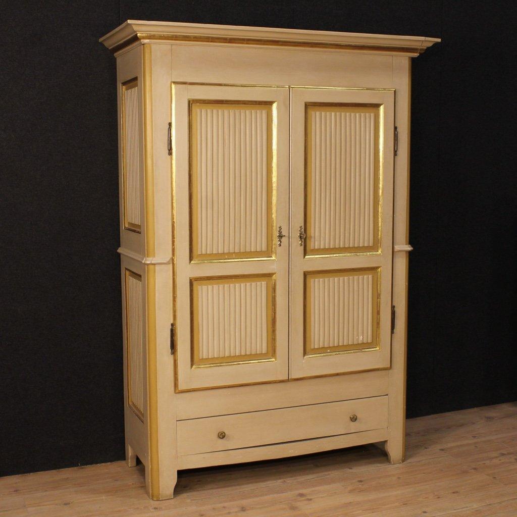italienische lackierte und vergoldete holz garderobe. Black Bedroom Furniture Sets. Home Design Ideas