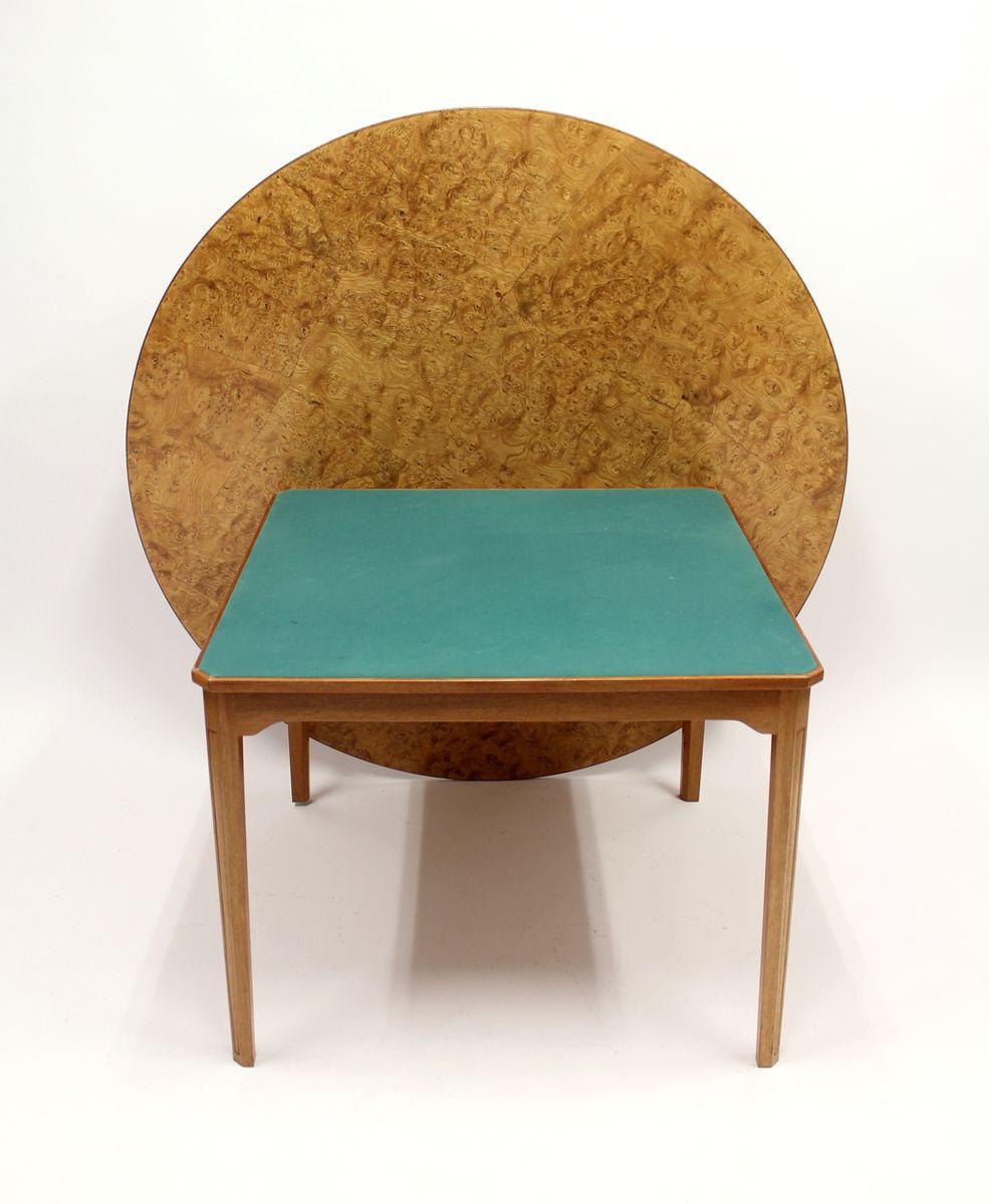 schwedischer spiel und esstisch aus wurzelholz furnier. Black Bedroom Furniture Sets. Home Design Ideas
