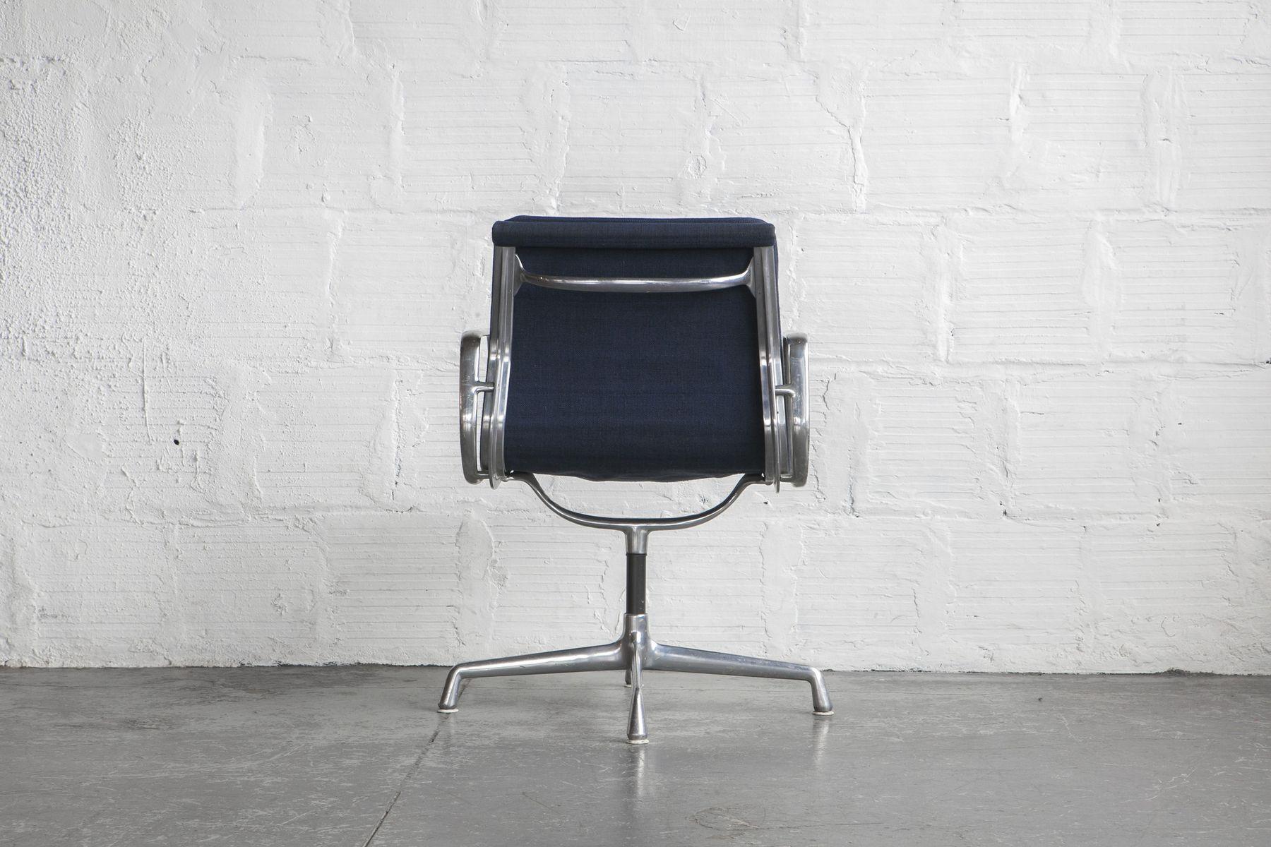 Bürostuhl Designklassiker Vitra gepolsterter bürostuhl charles eames für vitra 1960er bei