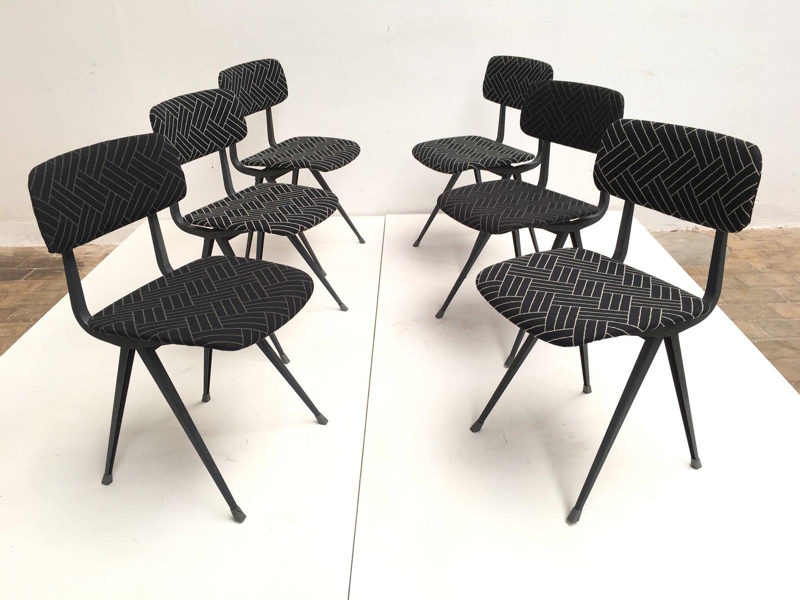 Mid-Century Result Stühle von Friso Kramer & Wim Rietveld für Ahrend ...