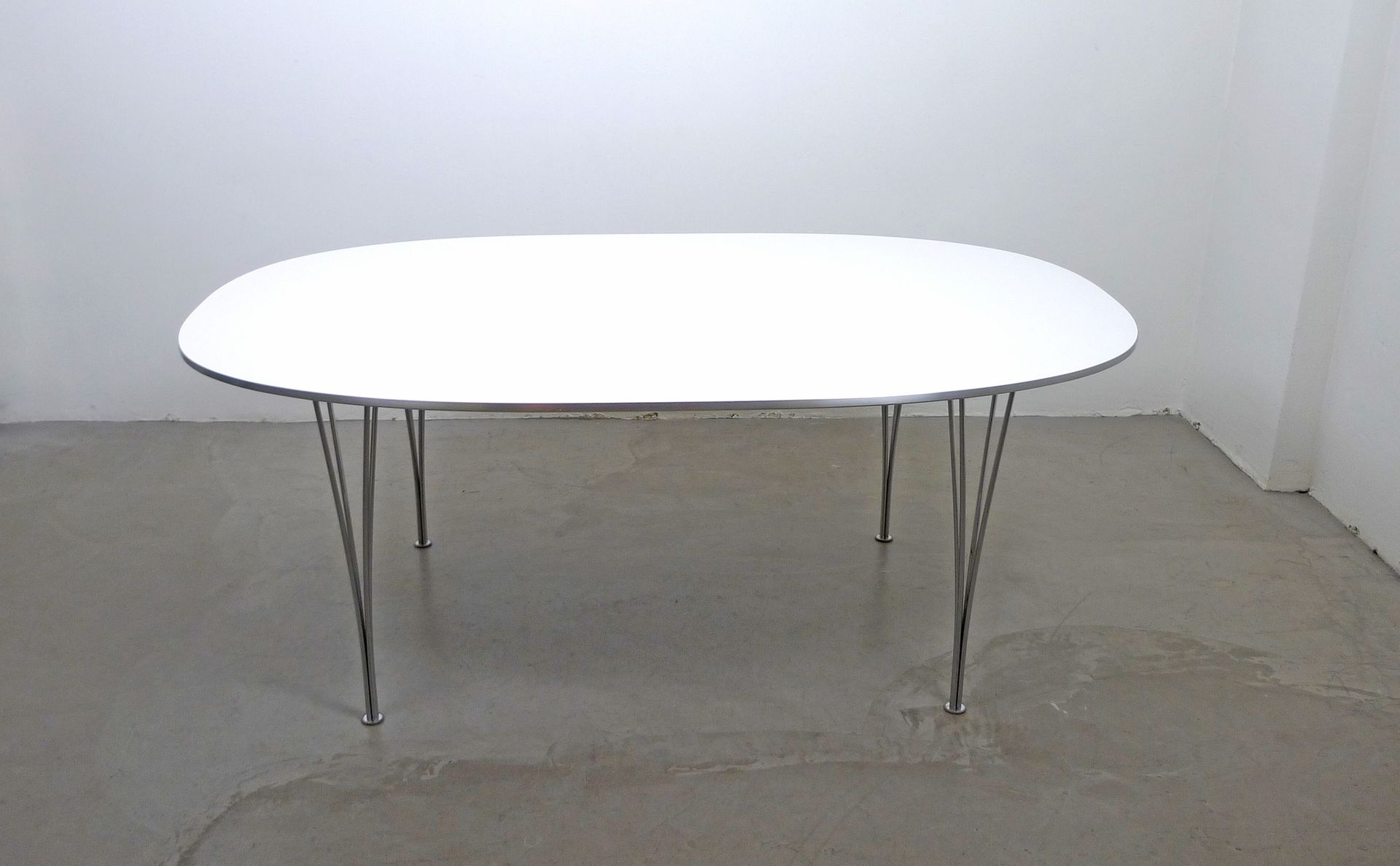Skandinavischer Moderner Elliptical Tisch Von Piet Hein, Bruno Mathsson Und  Arne Jacobsen Für Fritz Hansen, 1968