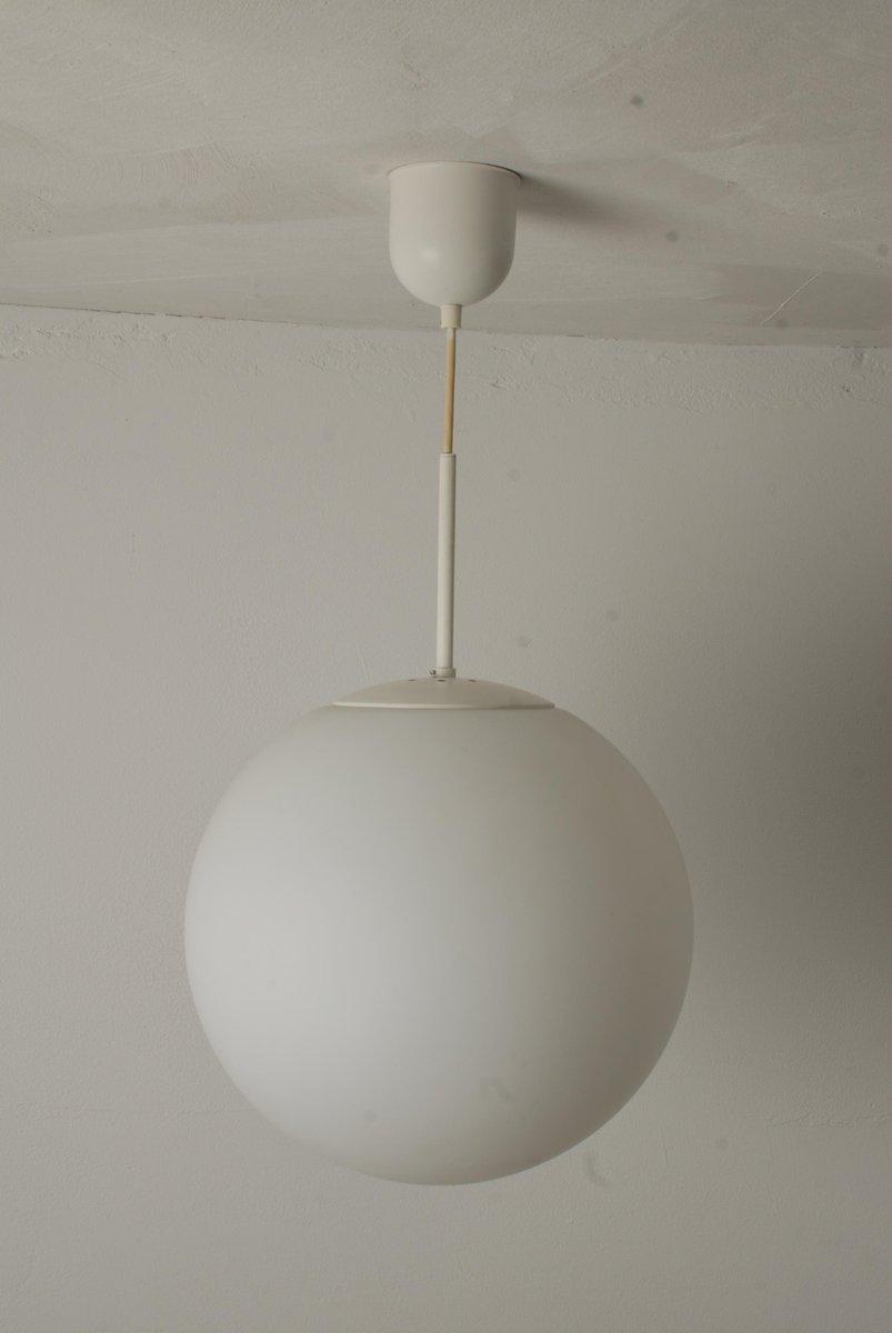 runde mid century deckenleuchte aus opalglas von glash tte limburg bei pamono kaufen. Black Bedroom Furniture Sets. Home Design Ideas