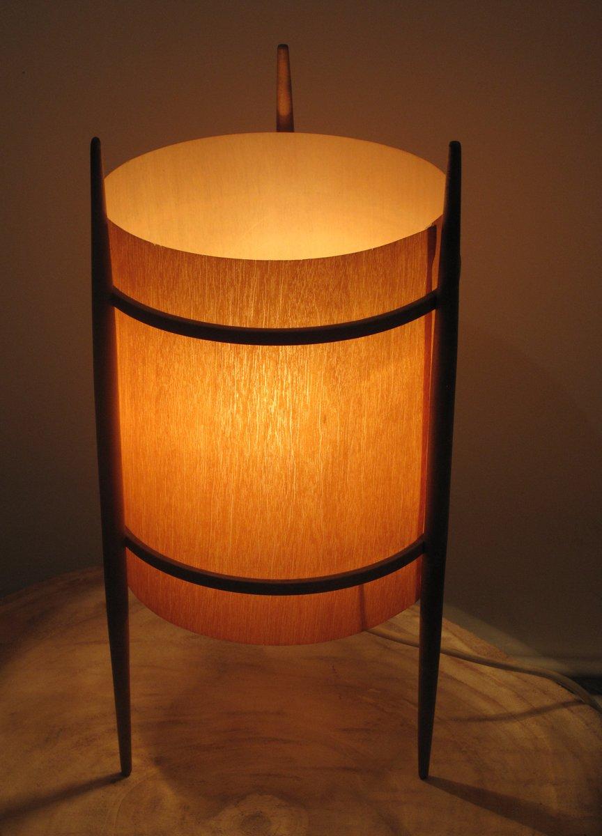 tischlampe mit dreibein und holz furnier 1960er bei pamono kaufen. Black Bedroom Furniture Sets. Home Design Ideas
