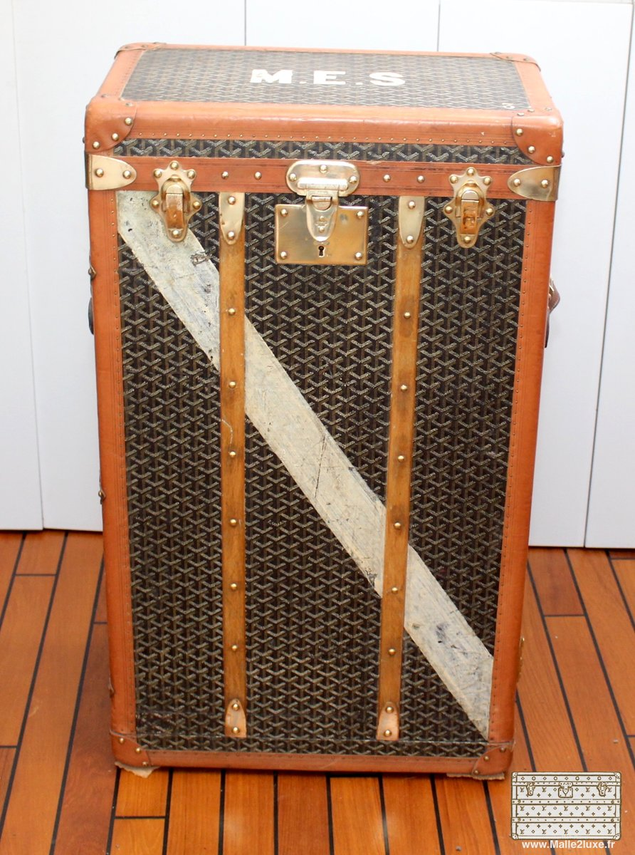 malle de voyage de goyard 1910s en vente sur pamono. Black Bedroom Furniture Sets. Home Design Ideas