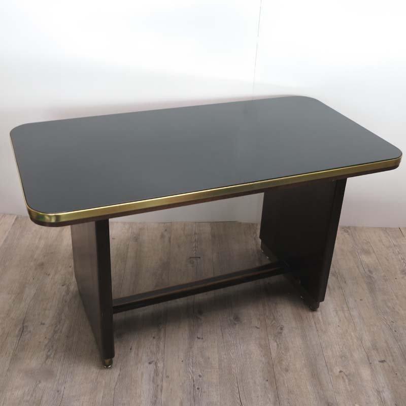 vintage holztisch mit eingelassener schwarzer glasplatte 1950er bei pamono kaufen. Black Bedroom Furniture Sets. Home Design Ideas