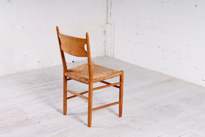 skandinavische st hle aus eichenholz strohgeflecht. Black Bedroom Furniture Sets. Home Design Ideas