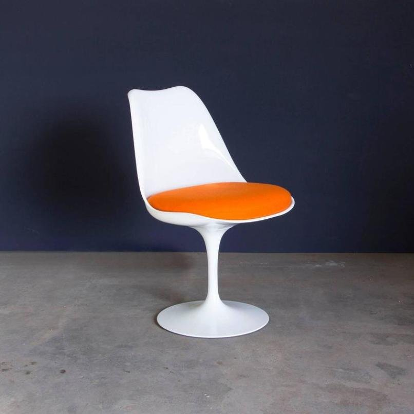 Vintage Early 151 White Tulip Chair By Eero Saarinen For Knoll  International For Sale At Pamono