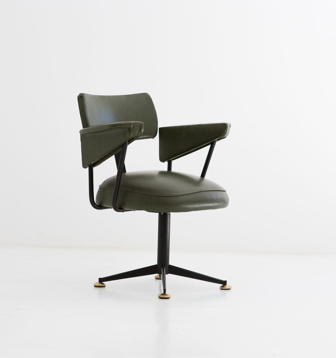 A Shapely Swivel Seat Inspired By Mid Century Design Our: Italian Mid-Century Swivel Armchair, 1950s For Sale At Pamono