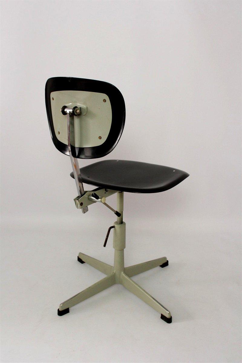 Industrieller stahl plastik stuhl 1970er bei pamono kaufen for Stuhl design plastik