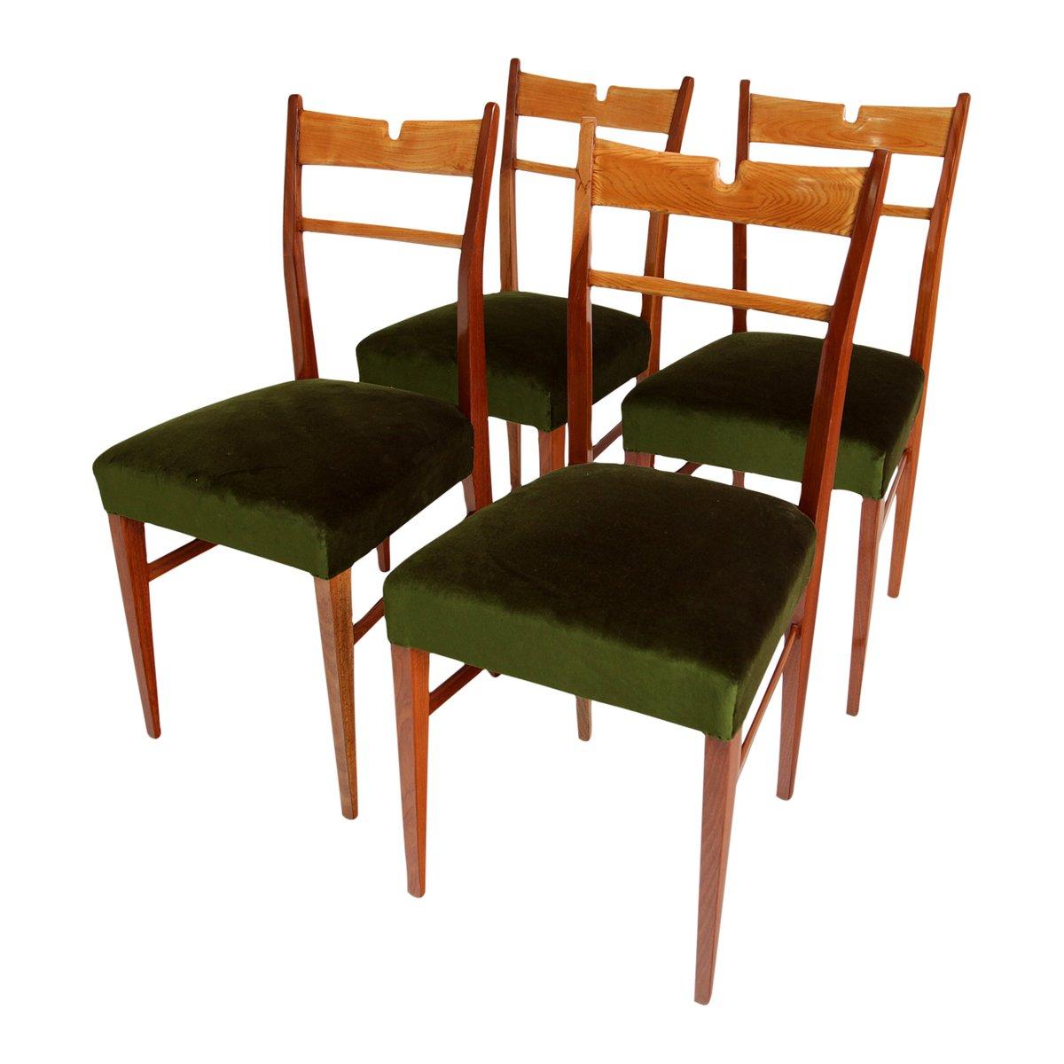 italienische esszimmerst hle aus holz mit gr nem samtbezug 1950er 4er set bei pamono kaufen. Black Bedroom Furniture Sets. Home Design Ideas