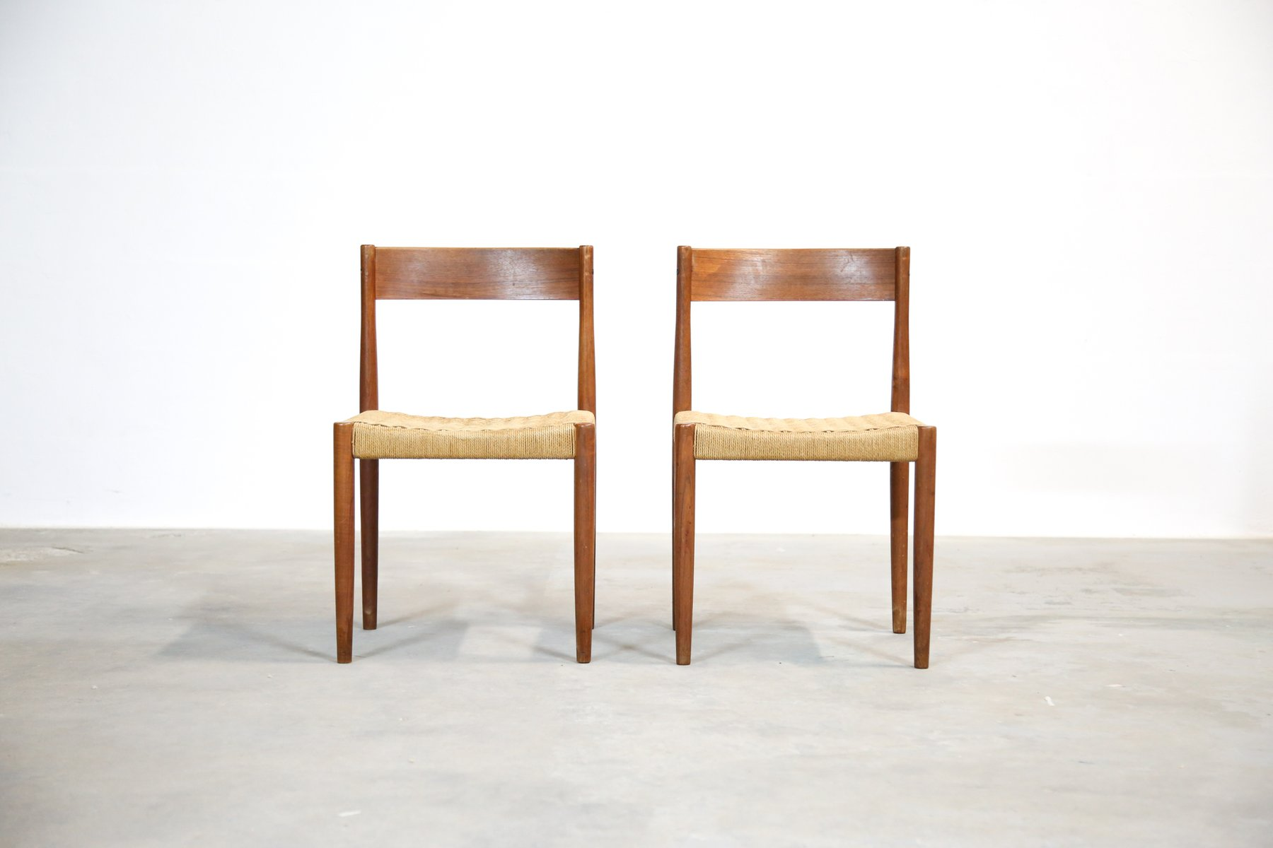 Stühle Geflochten dänische teak stühle mit geflochtenen sitzen 1960er 2er set bei