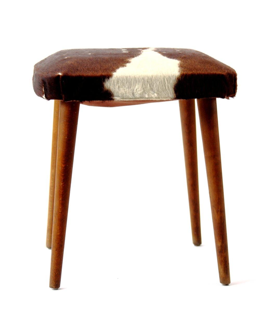 mid century kuhfell hocker bei pamono kaufen. Black Bedroom Furniture Sets. Home Design Ideas