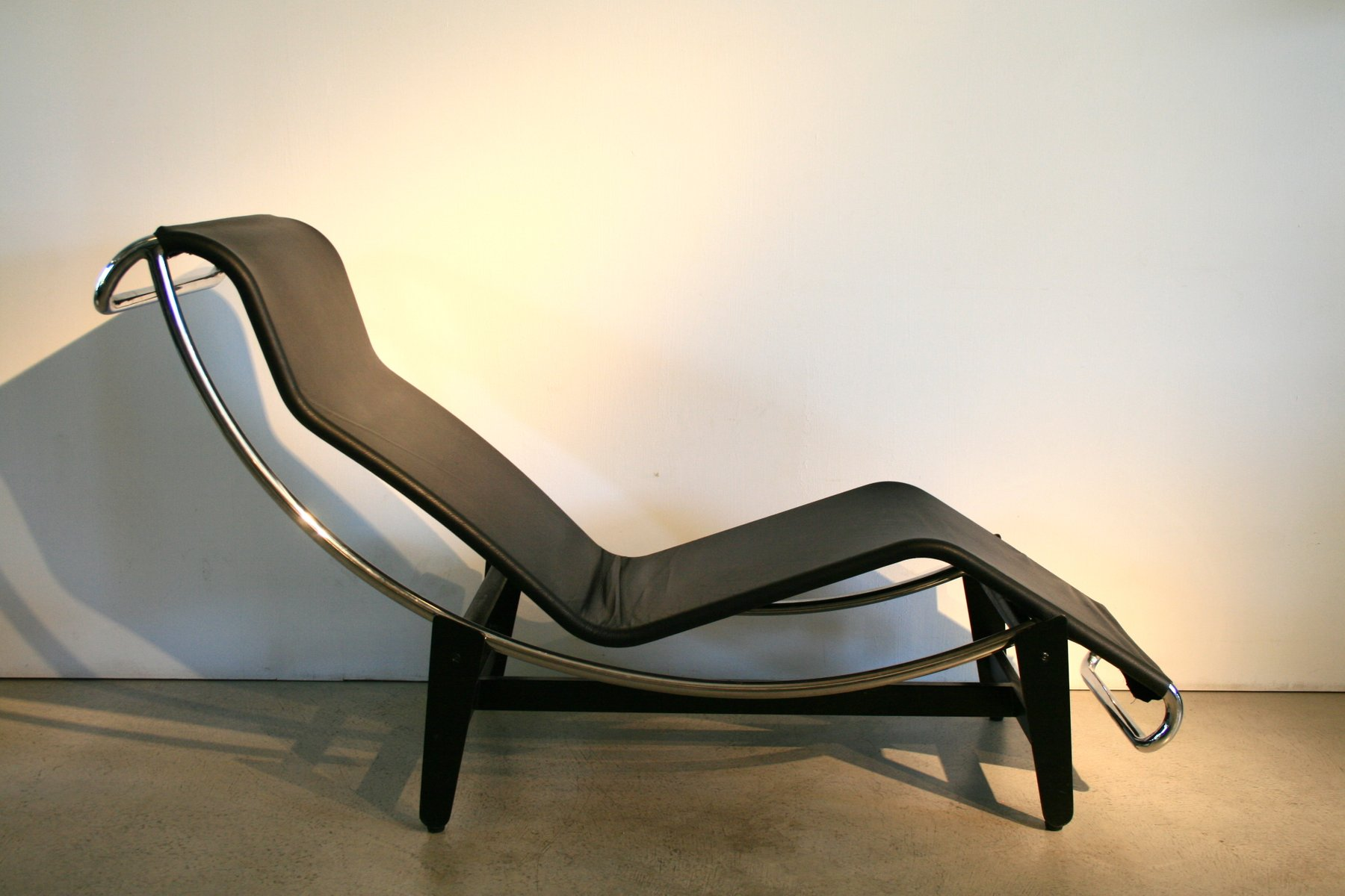 Vintage Lc4 Lounge Chair By Le Corbusier For Wohnbedarf