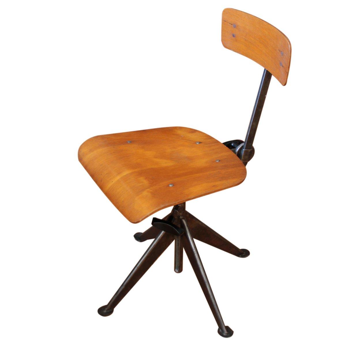 chaise de bureau par jean prouv en vente sur pamono. Black Bedroom Furniture Sets. Home Design Ideas
