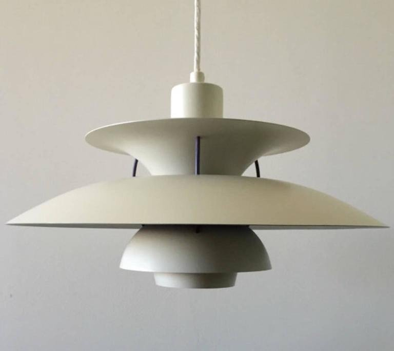 vintage white ph5 ceiling light by poul henningsen for louis poulsen for sale at pamono. Black Bedroom Furniture Sets. Home Design Ideas