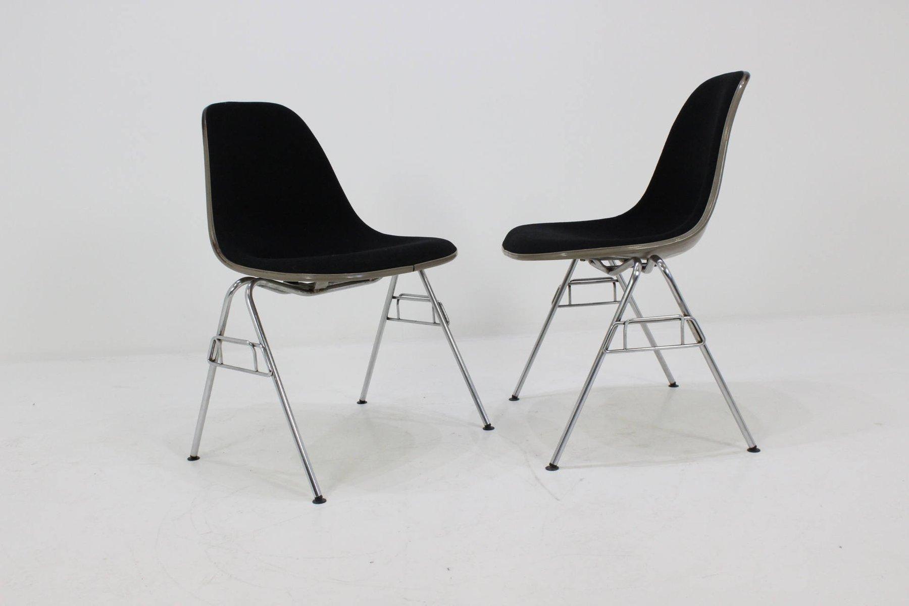 Fiberglas Stühle von Charles & Ray Eames für Herman Miller, 1968 ...