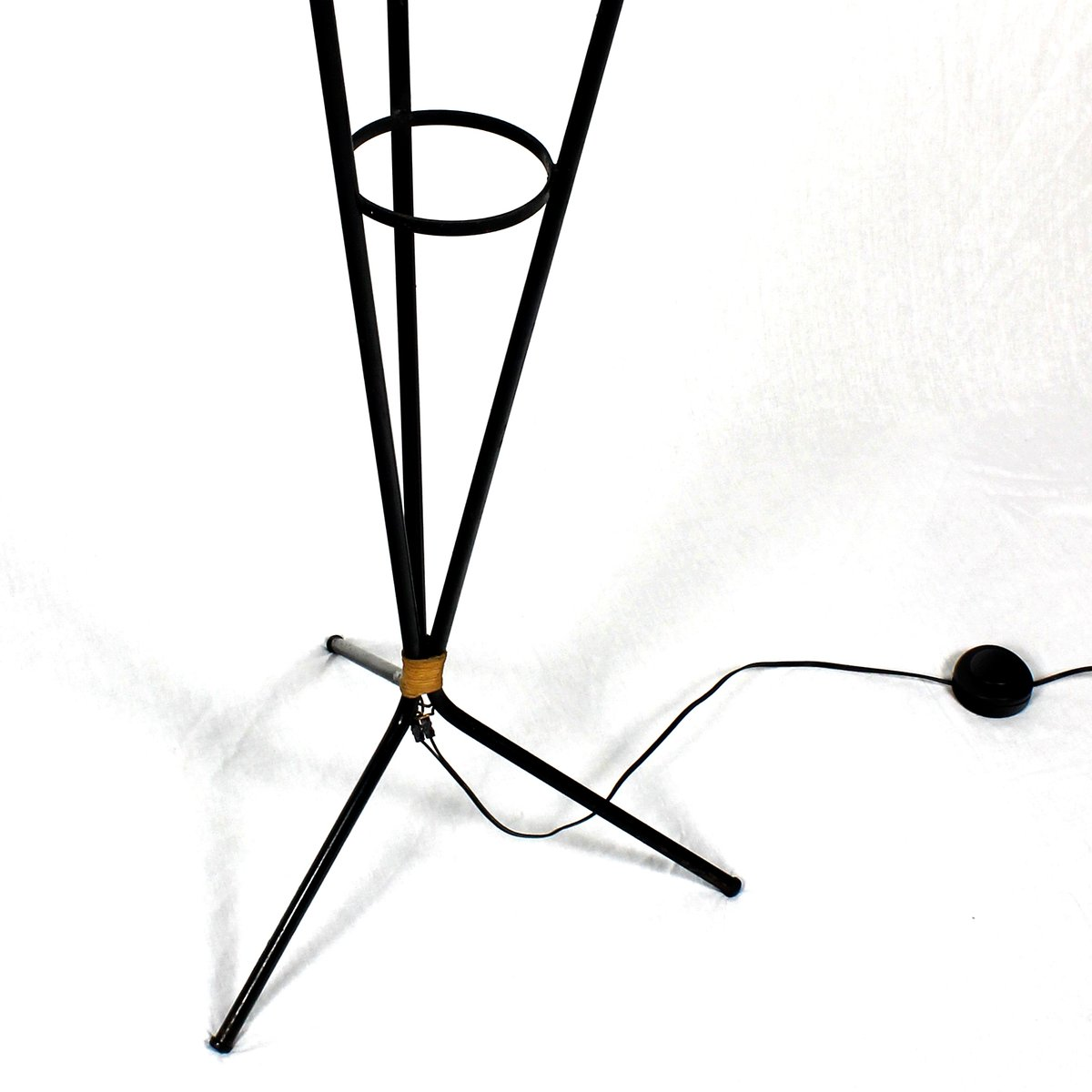 French metal and rattan floor lamp 1950s for sale at pamono for Floor in french translation