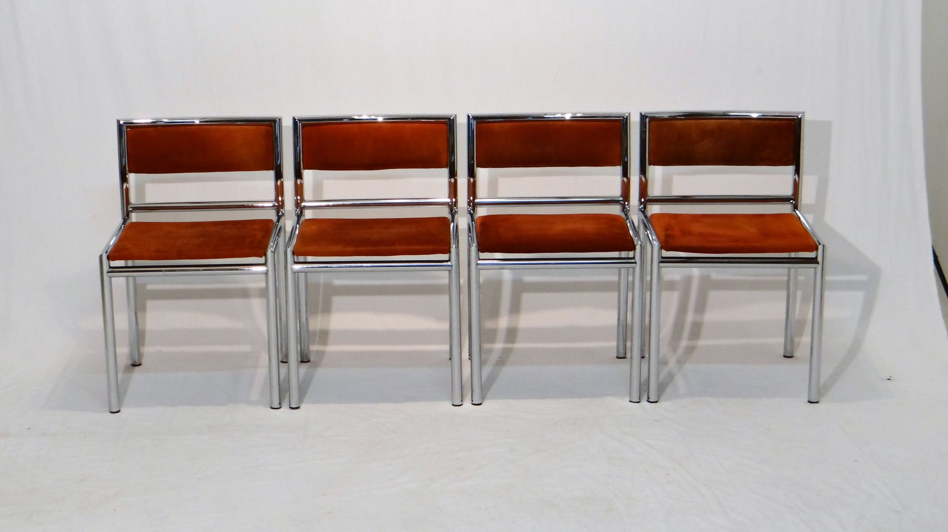 Mid Century Dining Chairs In Tubular Chrome And Leather, Set Of 4