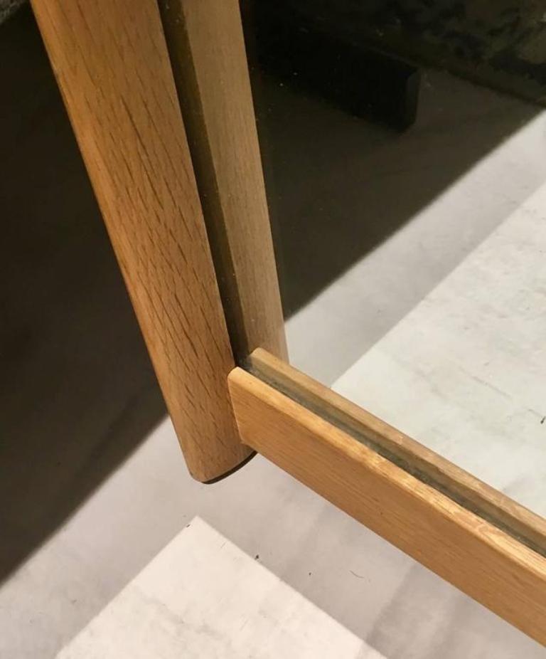wandspiegel mit rahmen aus eichenholz von aksel kjersgaard. Black Bedroom Furniture Sets. Home Design Ideas