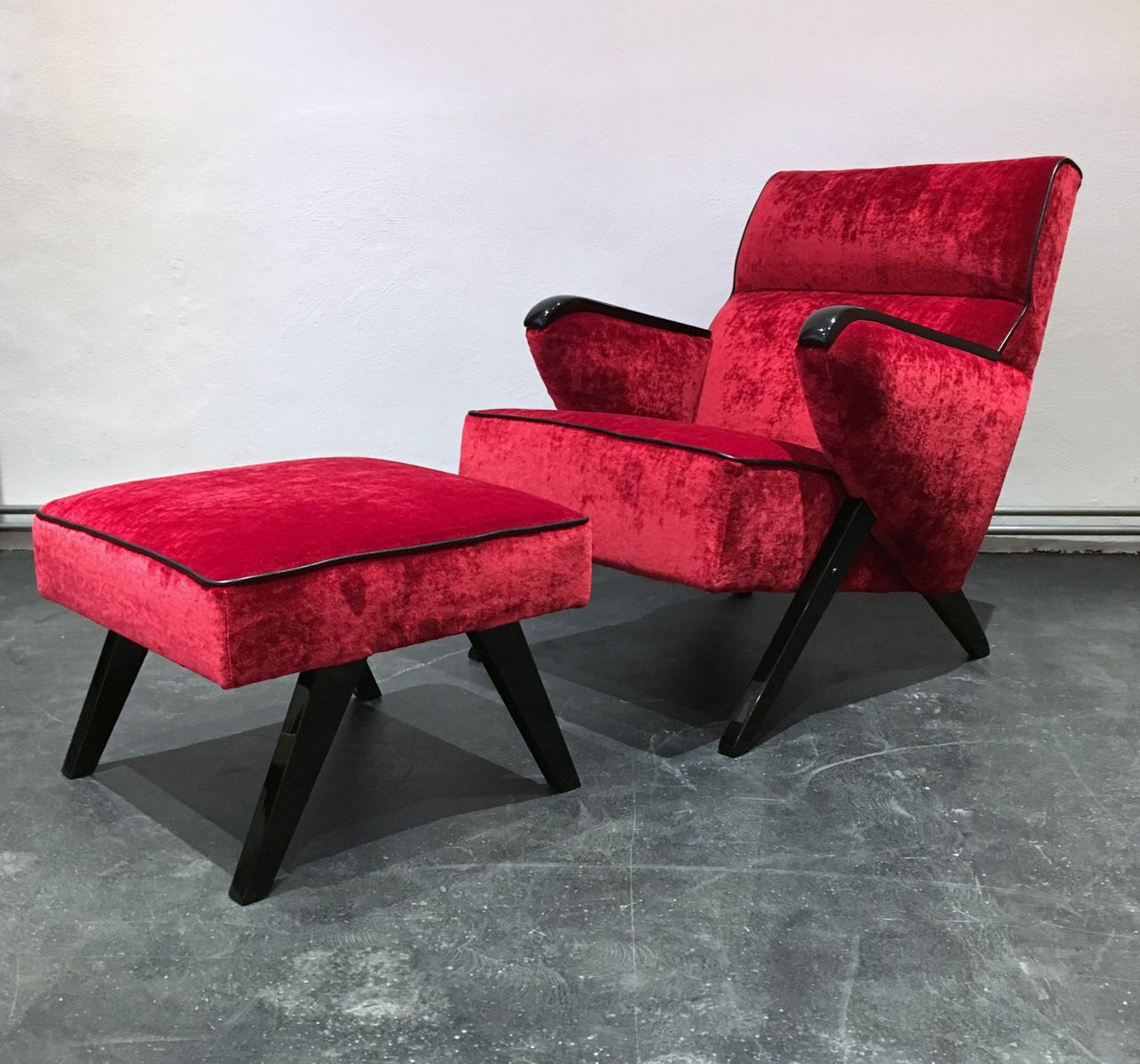 mid century sessel fu hocker 1950er bei pamono kaufen. Black Bedroom Furniture Sets. Home Design Ideas