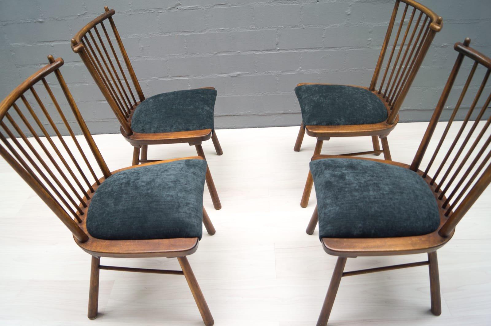 vintage holz esszimmerst hle 1950er 4er set bei pamono. Black Bedroom Furniture Sets. Home Design Ideas