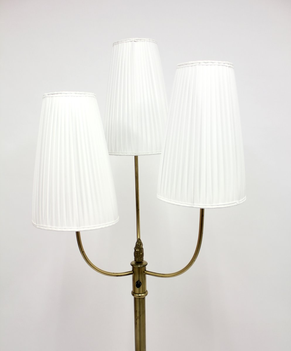 vintage messing stehlampe mit drei leuchten 1940er bei pamono kaufen. Black Bedroom Furniture Sets. Home Design Ideas