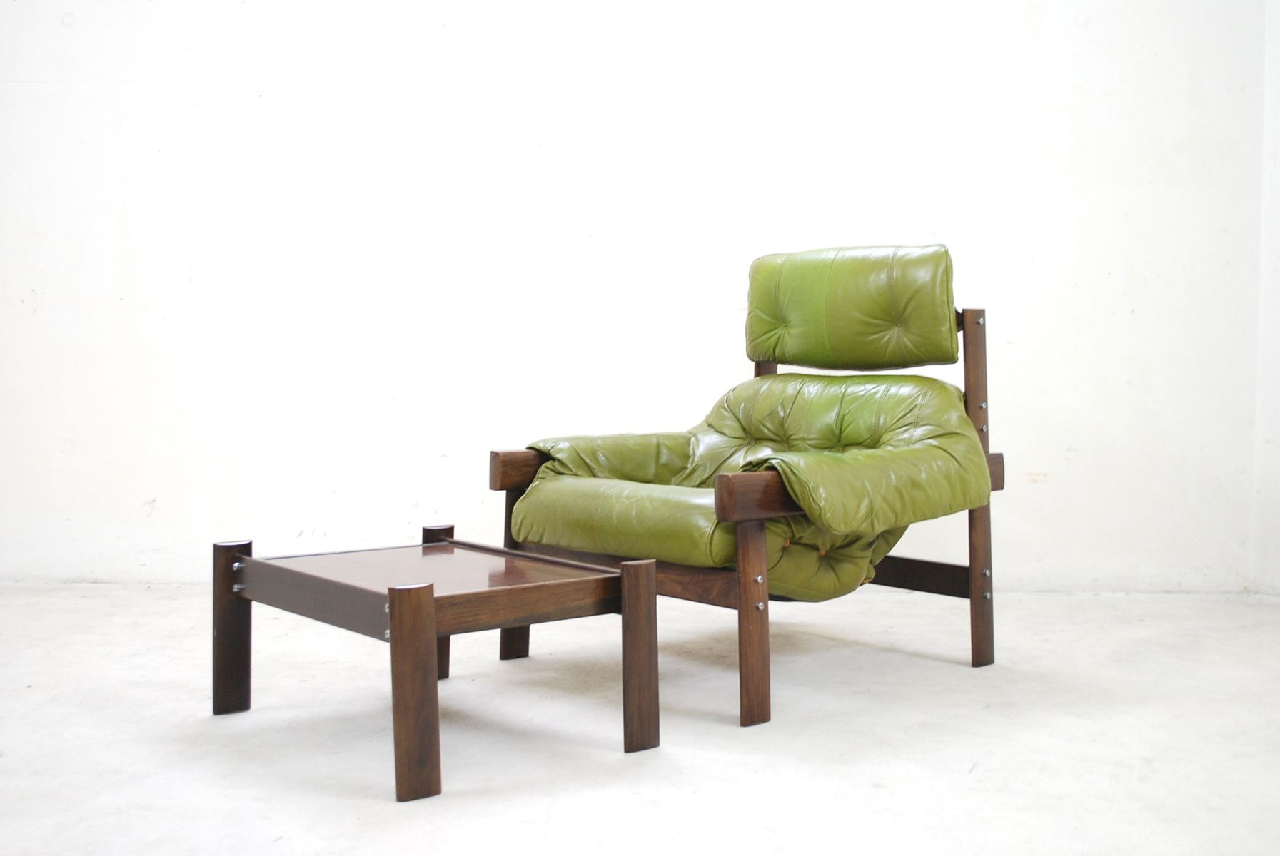model mp 041 lime green leather lounge chair ottoman from