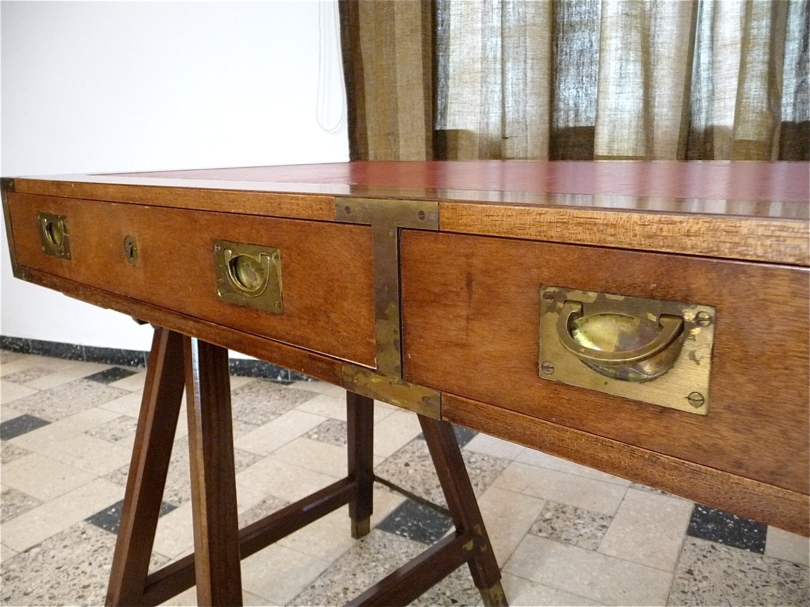 Antique Caign Table Image And Candle Victimist