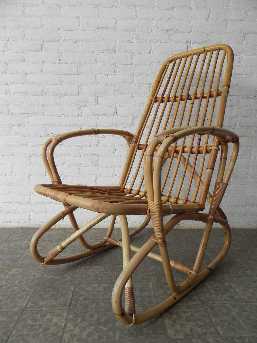 Schaukelstuhl Vintage schaukelstuhl aus rattan dekoration ideen