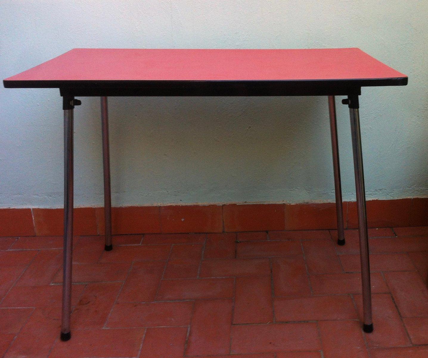 table de salle manger en formica rouge belgique 1960s en vente sur pamono. Black Bedroom Furniture Sets. Home Design Ideas