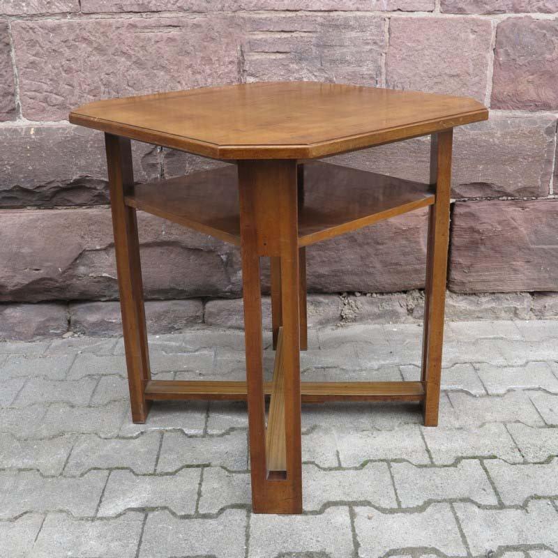 quadratischer art deco tisch mit niedriger ablage 1930er bei pamono kaufen. Black Bedroom Furniture Sets. Home Design Ideas