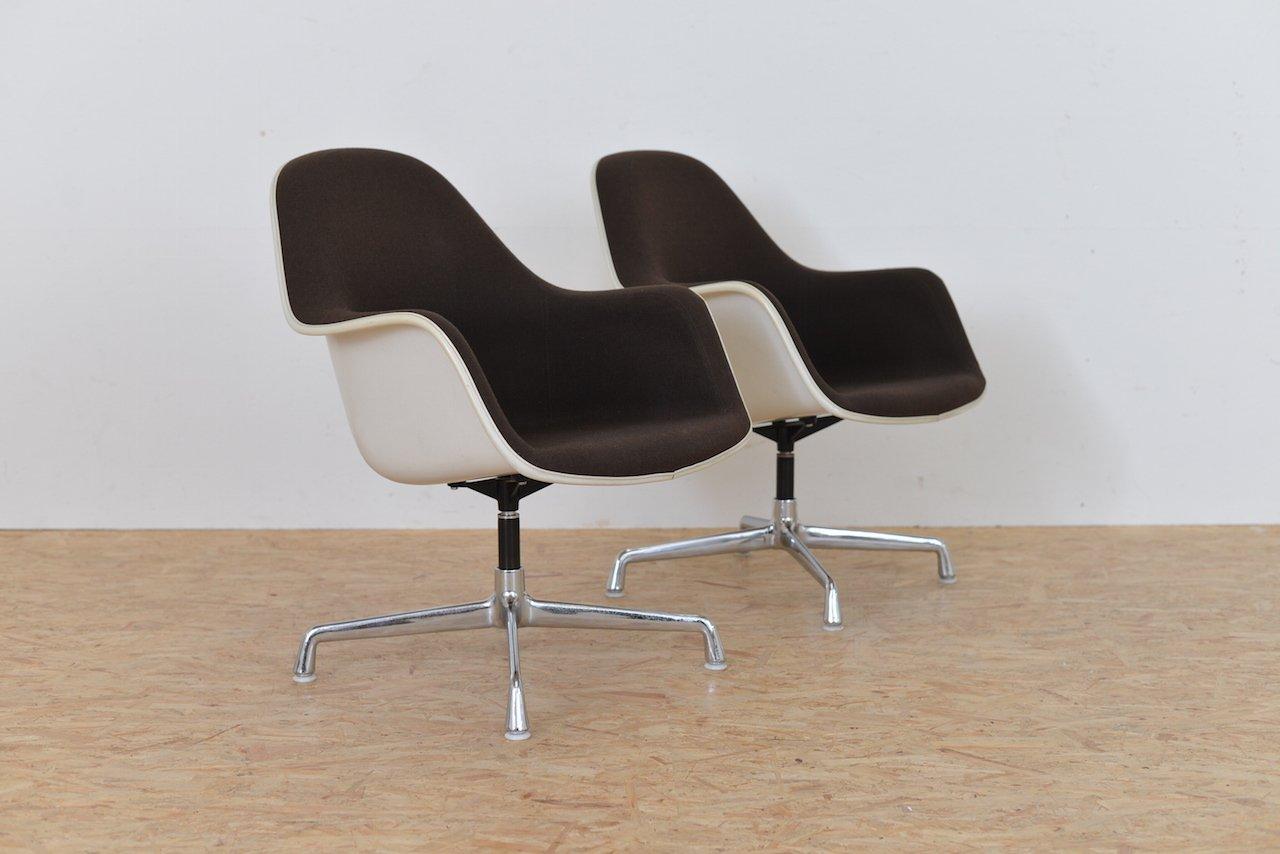 vintage ec175 8 sessel mit hoher r ckenlehne von charles ray eames f r vitra 2er set bei. Black Bedroom Furniture Sets. Home Design Ideas