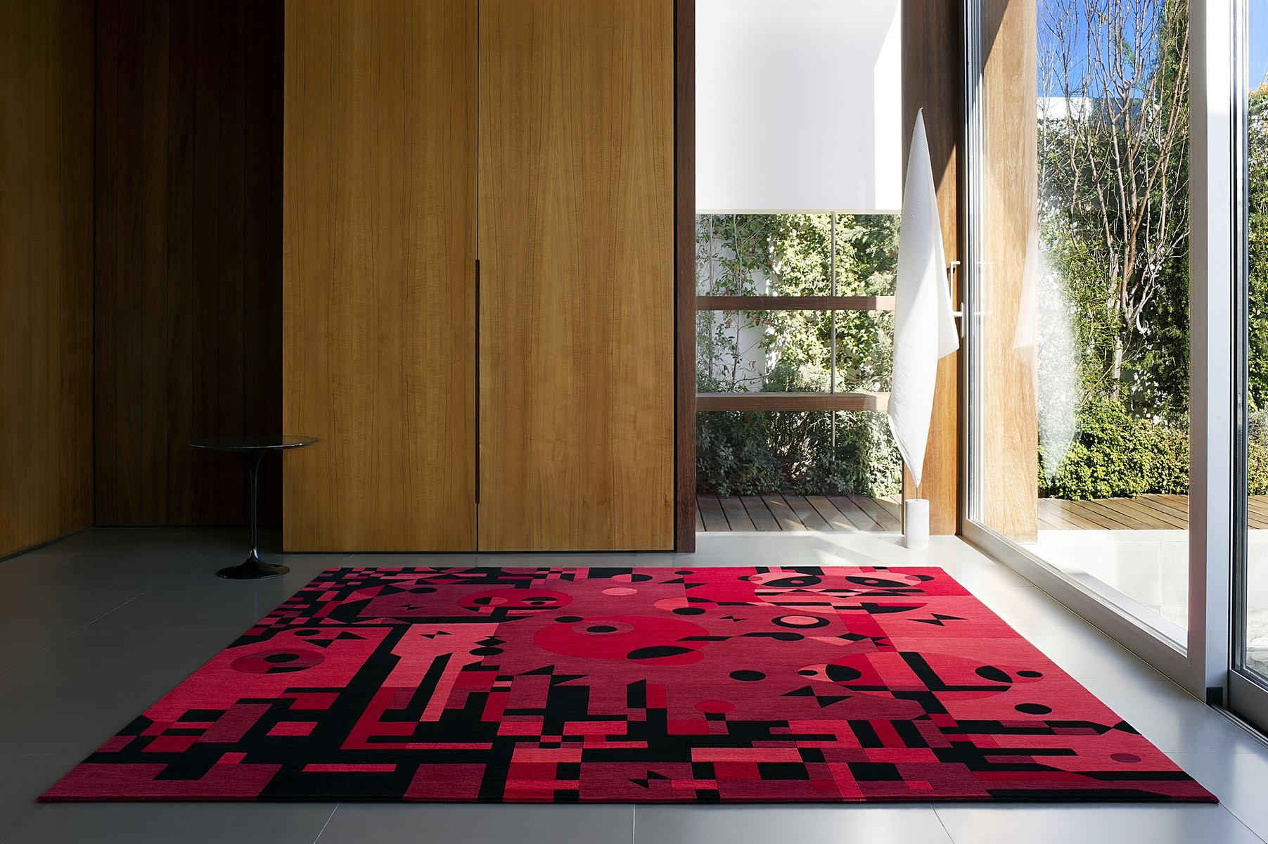 red rays teppich von kostas neofitidis f r kota collections bei pamono kaufen. Black Bedroom Furniture Sets. Home Design Ideas