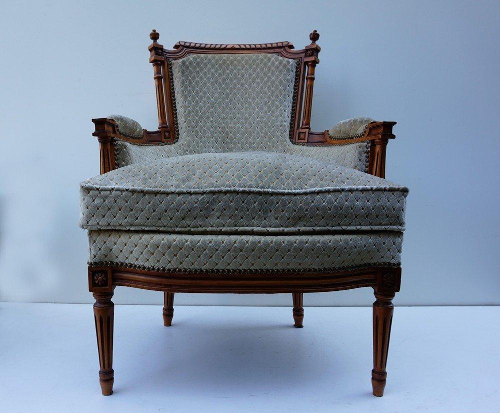 Fauteuils de salon avec ottomane vintage style louis xvi for Salon style louis 16