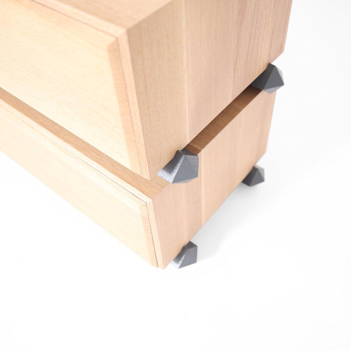 fabulous kommode zur mit drei breiten und holzplatte von debra folz design with holz schubladen
