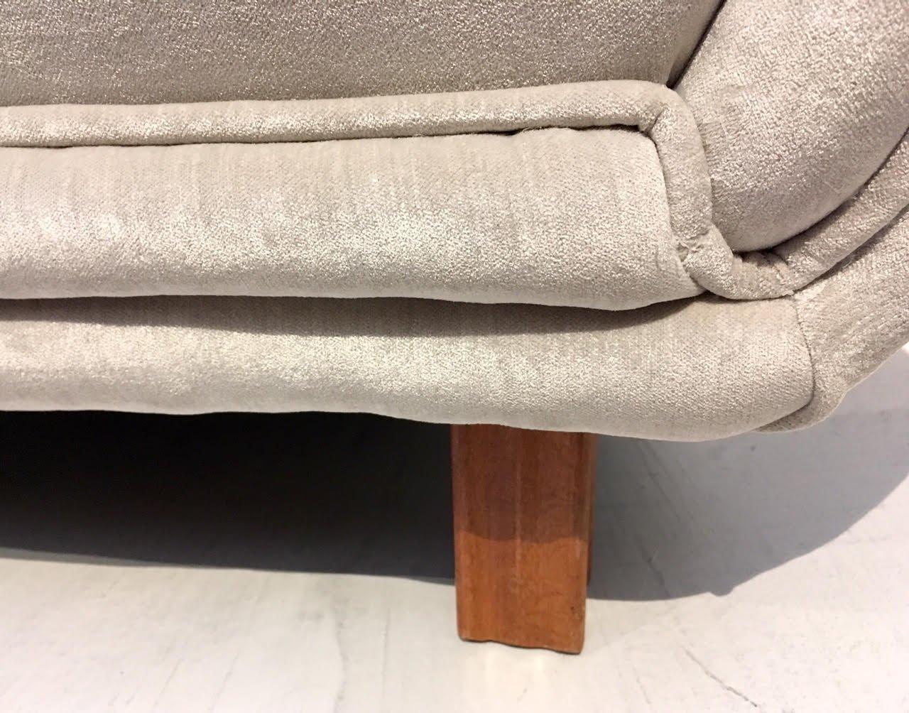 sofa mit kn pfen von levy carlssons m belaf rr 1940er bei pamono kaufen. Black Bedroom Furniture Sets. Home Design Ideas