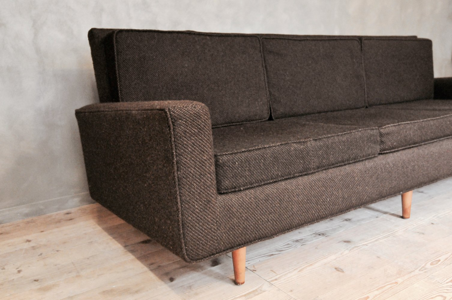 three seater sofa von florence knoll f r knoll international for sale at pamono. Black Bedroom Furniture Sets. Home Design Ideas