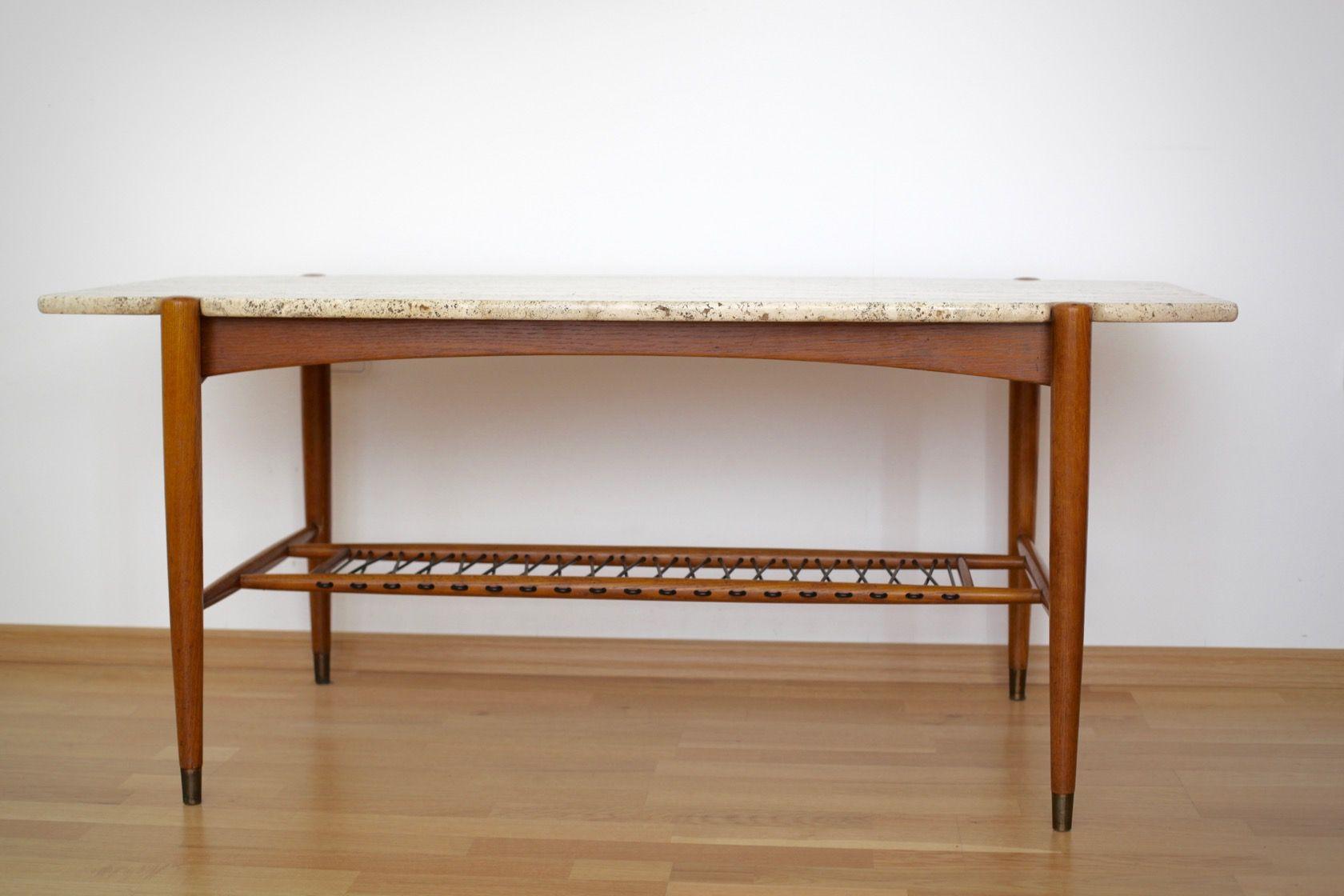 table basse en forme de planche de surf avec plateau en. Black Bedroom Furniture Sets. Home Design Ideas