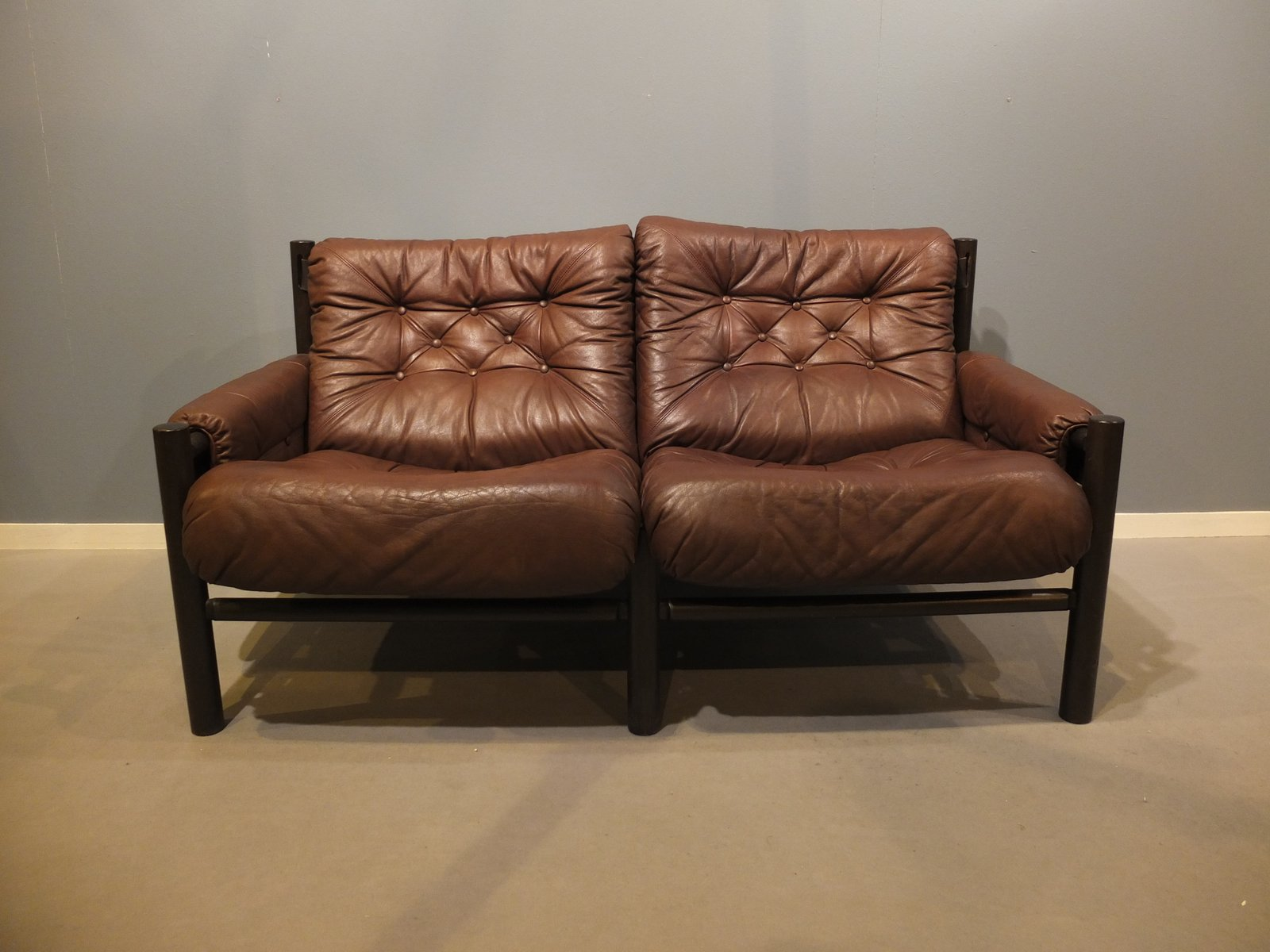 mid century zwei sitzer safari sofa von torbj rn afdal f r bruksbo bei pamono kaufen. Black Bedroom Furniture Sets. Home Design Ideas
