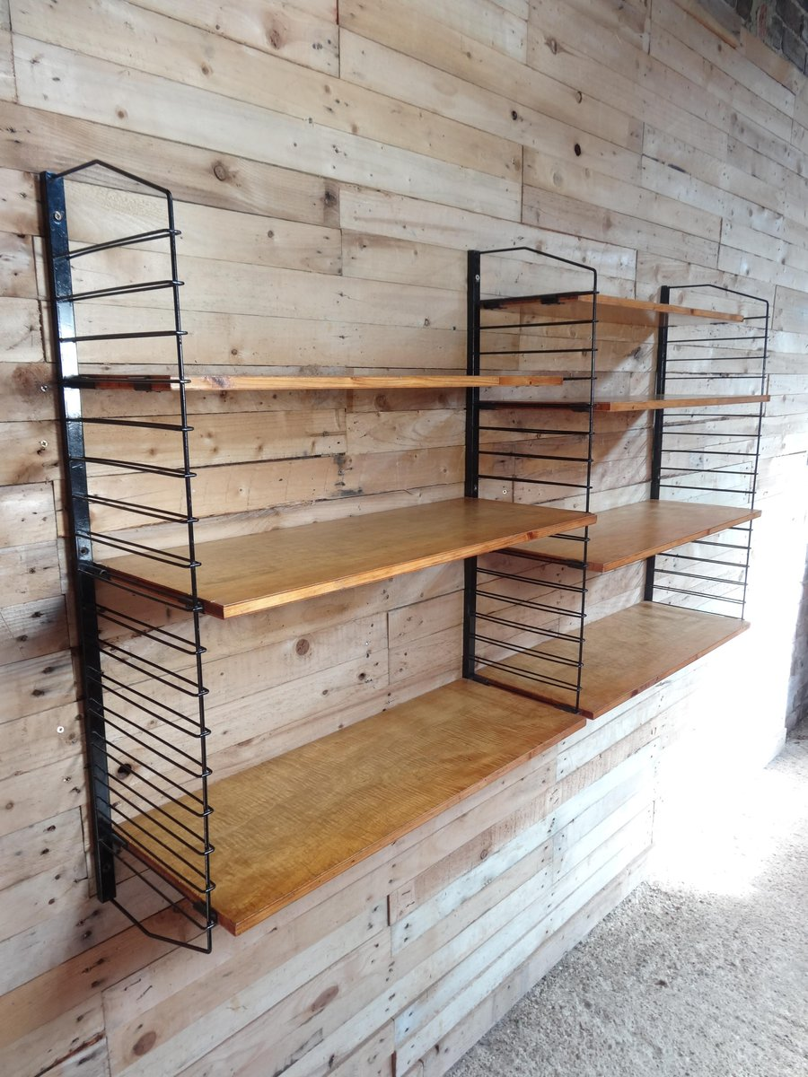 industrielles wandregal aus metall hellem holz 1955 bei. Black Bedroom Furniture Sets. Home Design Ideas