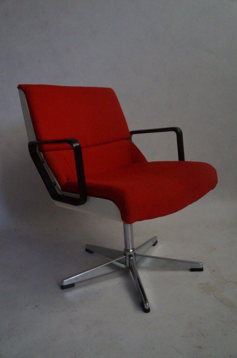 fauteuil de bureau pivotant france 1970s en vente sur pamono. Black Bedroom Furniture Sets. Home Design Ideas