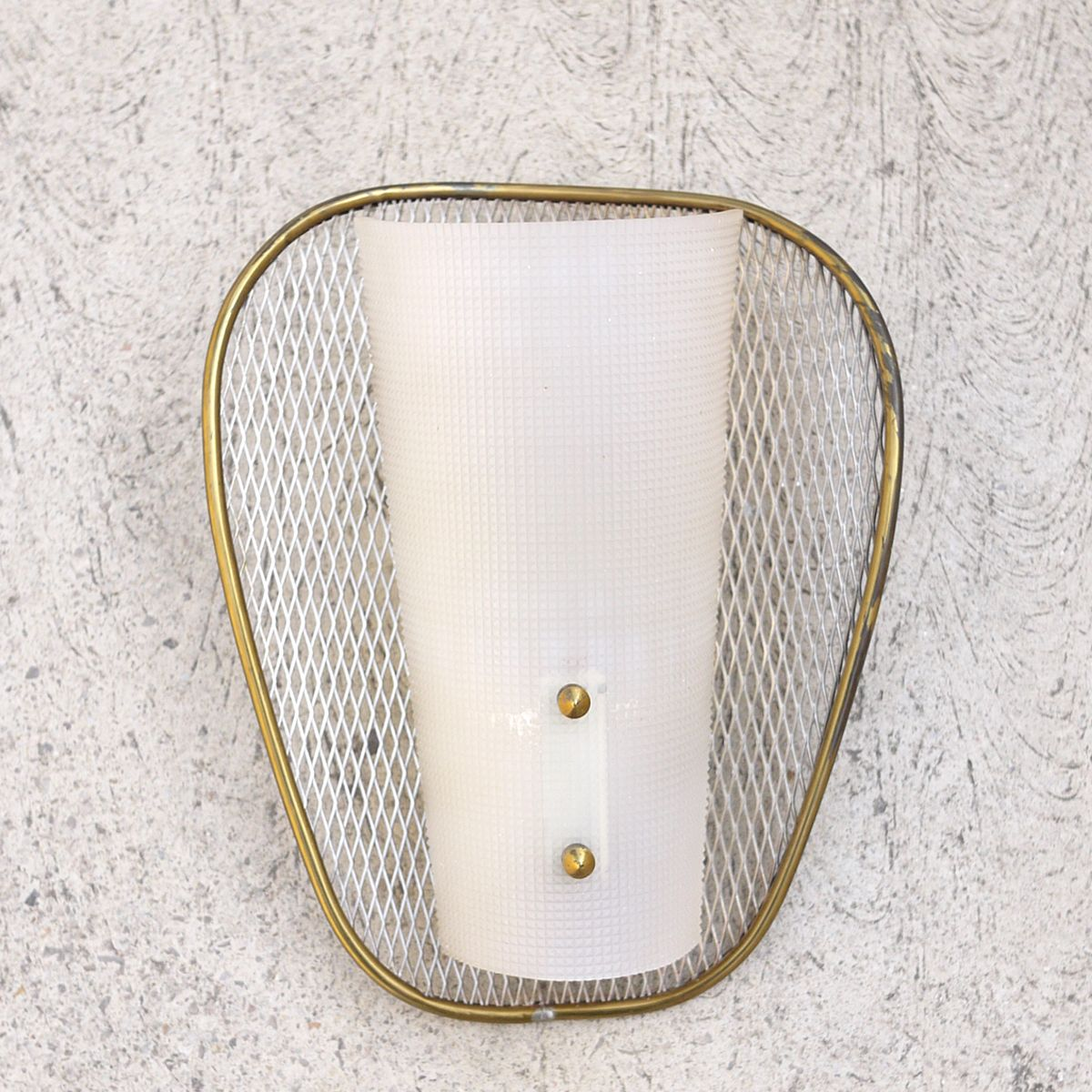 applique murale net vintage en acrylique et laiton en vente sur pamono. Black Bedroom Furniture Sets. Home Design Ideas