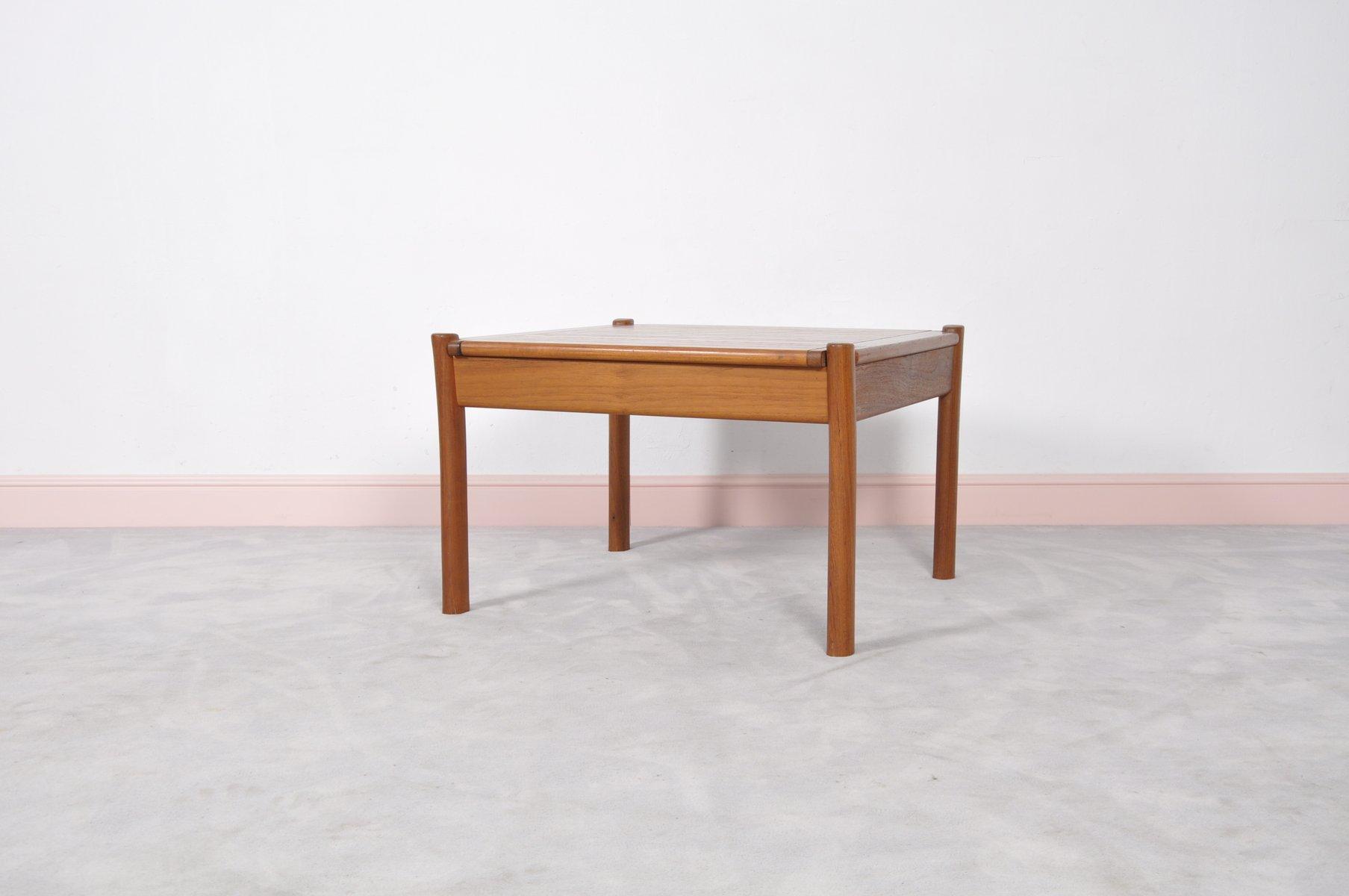 d nischer vintage teak couchtisch mit abgerundeten ecken bei pamono kaufen. Black Bedroom Furniture Sets. Home Design Ideas