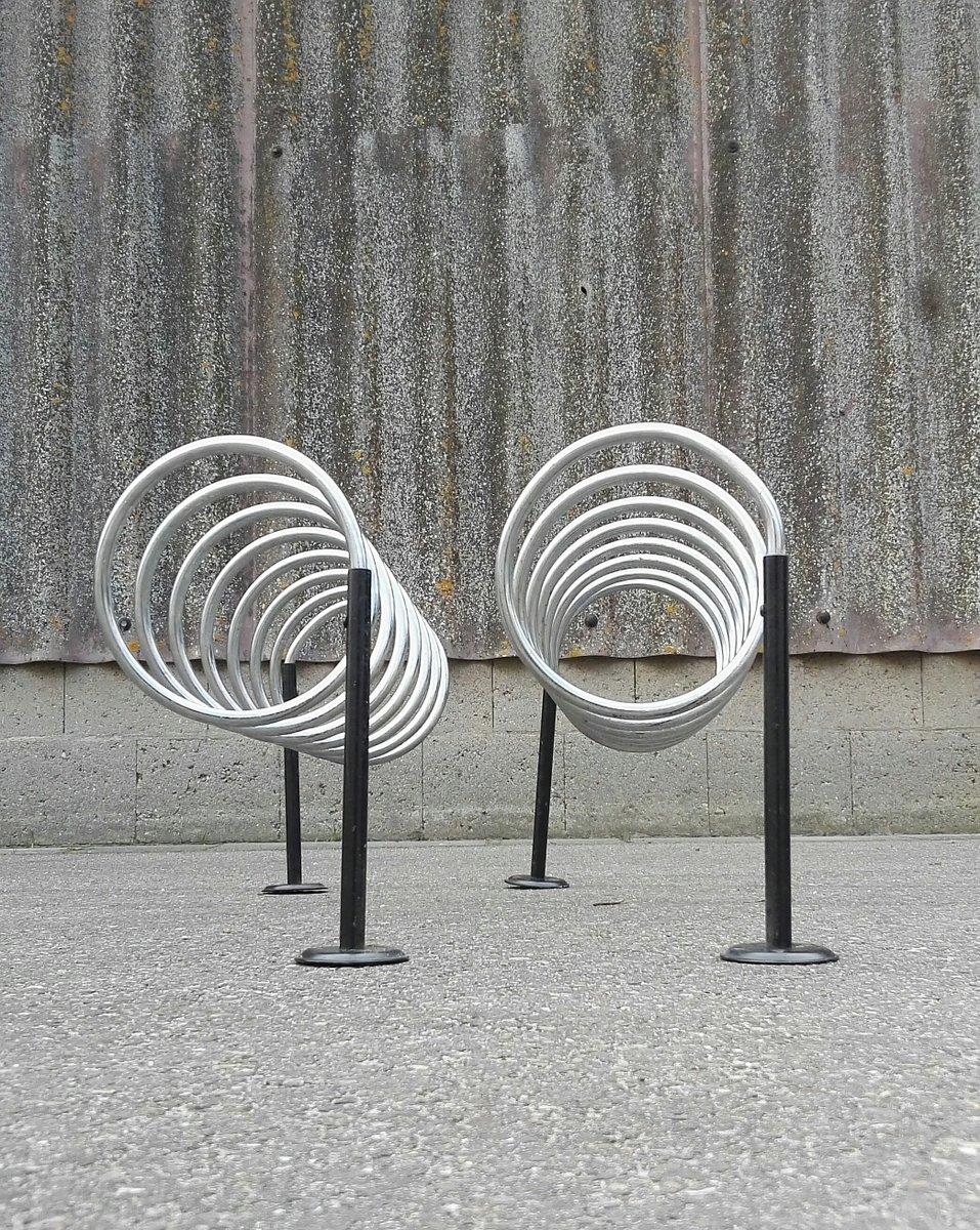 spiralenf rmige h ngende vintage garderoben 1960er 2er set bei pamono kaufen. Black Bedroom Furniture Sets. Home Design Ideas