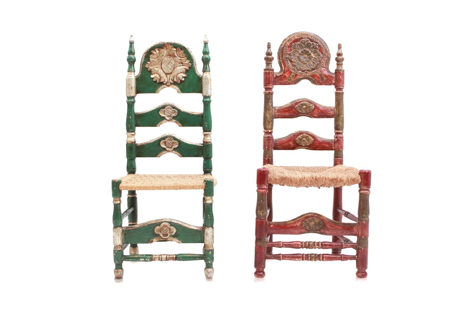 zeremonielle antike spanische st hle in gr n rot 2er. Black Bedroom Furniture Sets. Home Design Ideas
