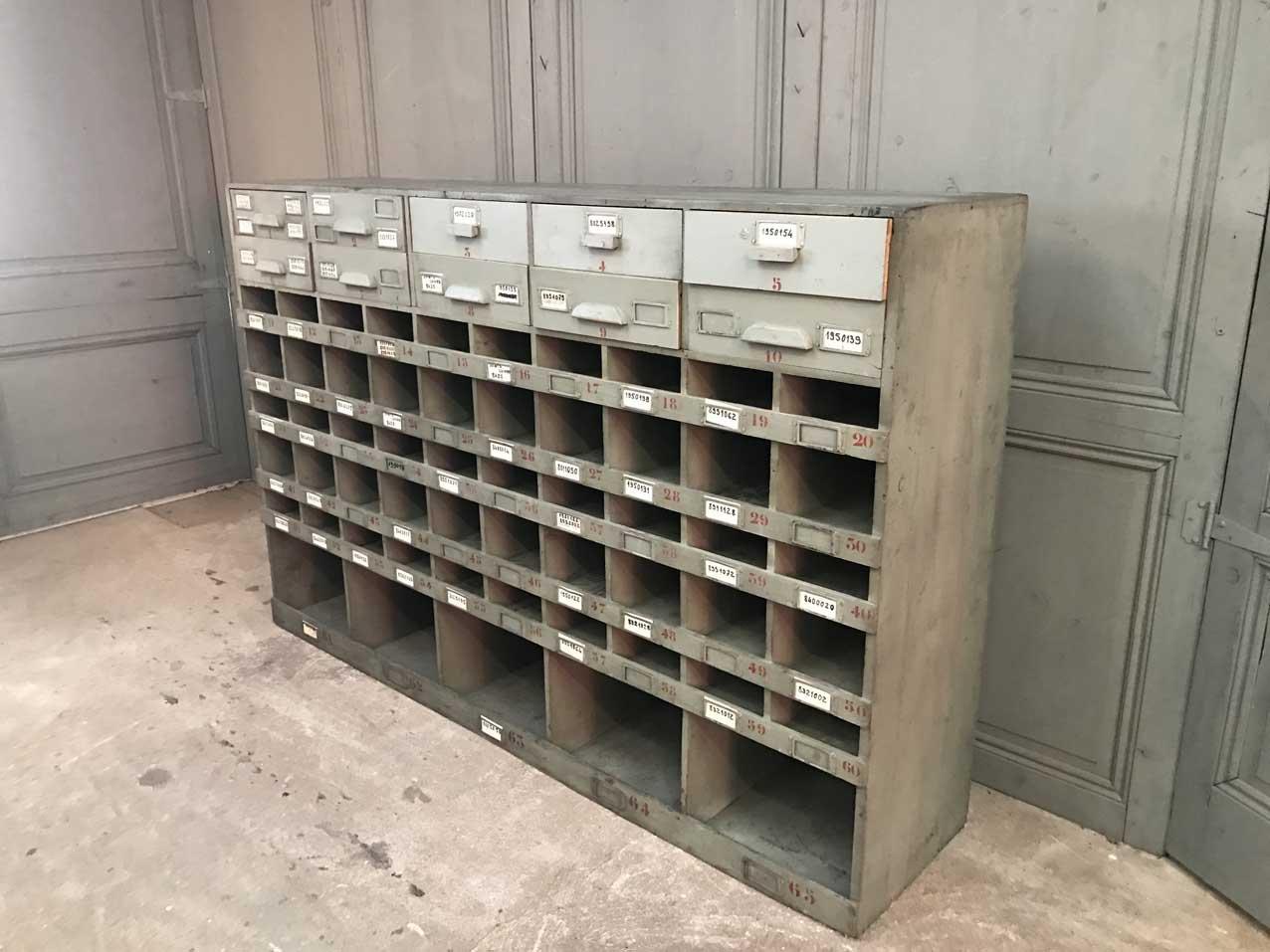 armoire de garage vintage en vente sur pamono. Black Bedroom Furniture Sets. Home Design Ideas