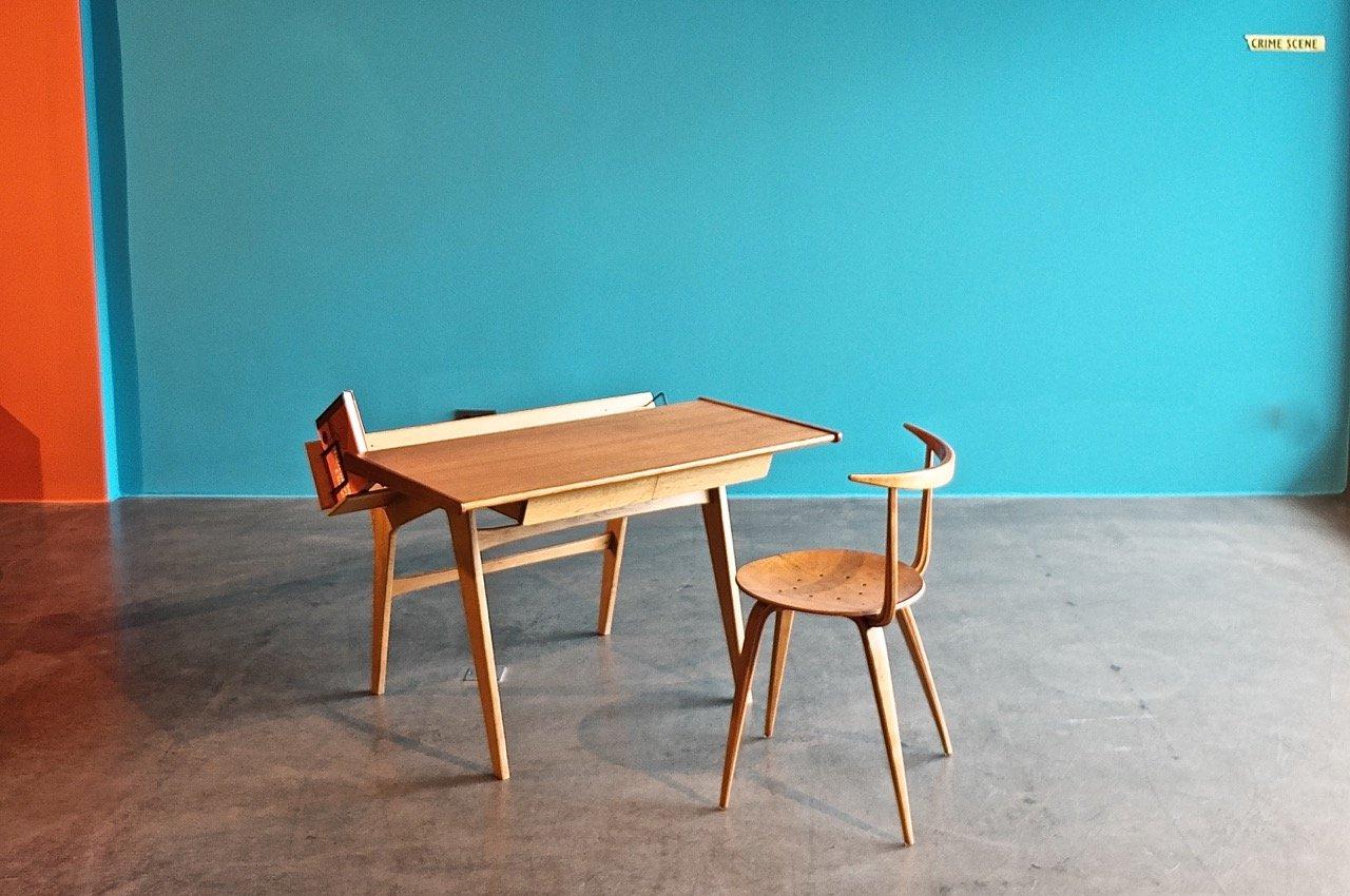 vintage schreibtisch von arhec bei pamono kaufen. Black Bedroom Furniture Sets. Home Design Ideas
