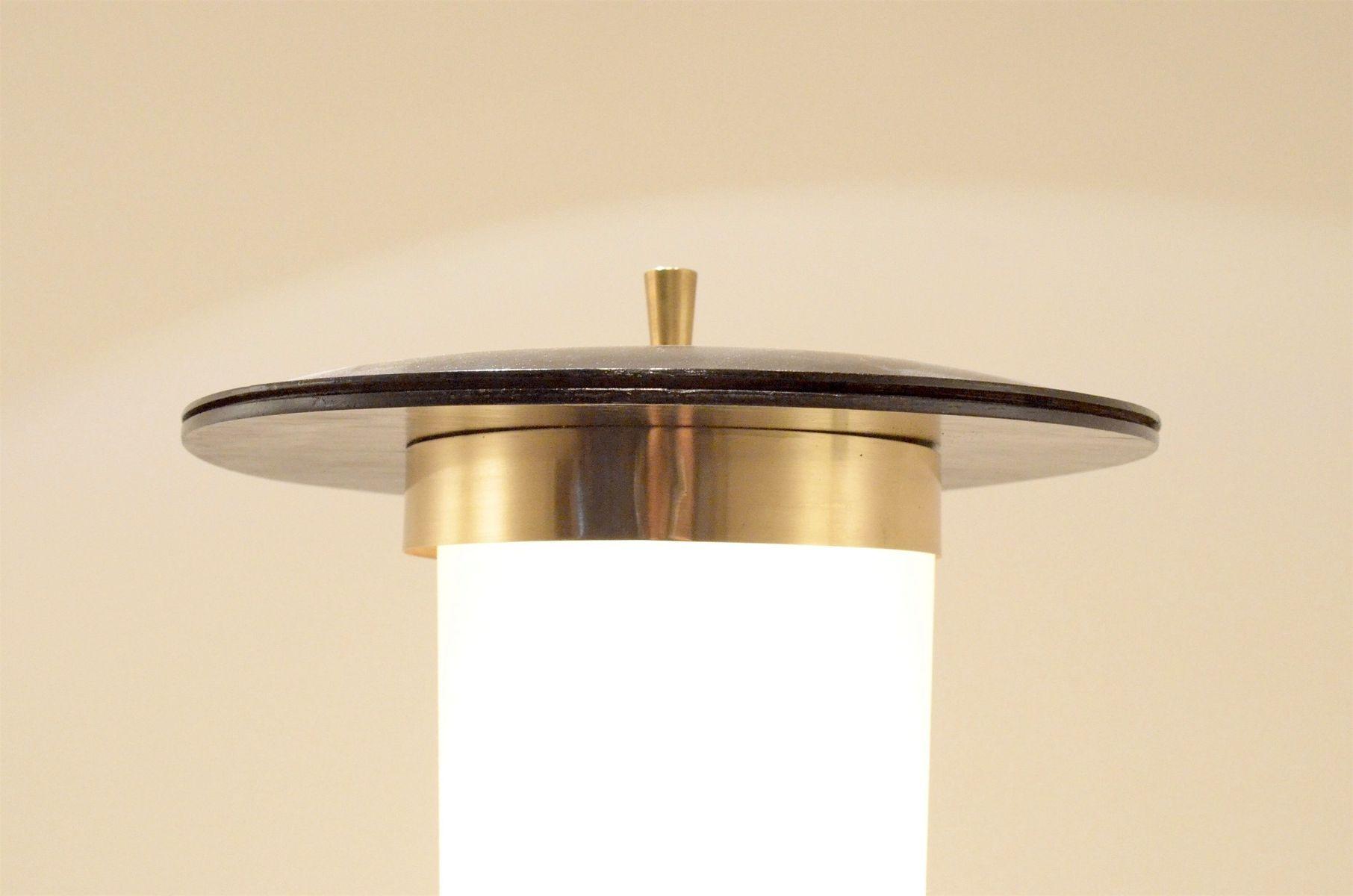italienische mid century dreibein stehlampe aus messing. Black Bedroom Furniture Sets. Home Design Ideas