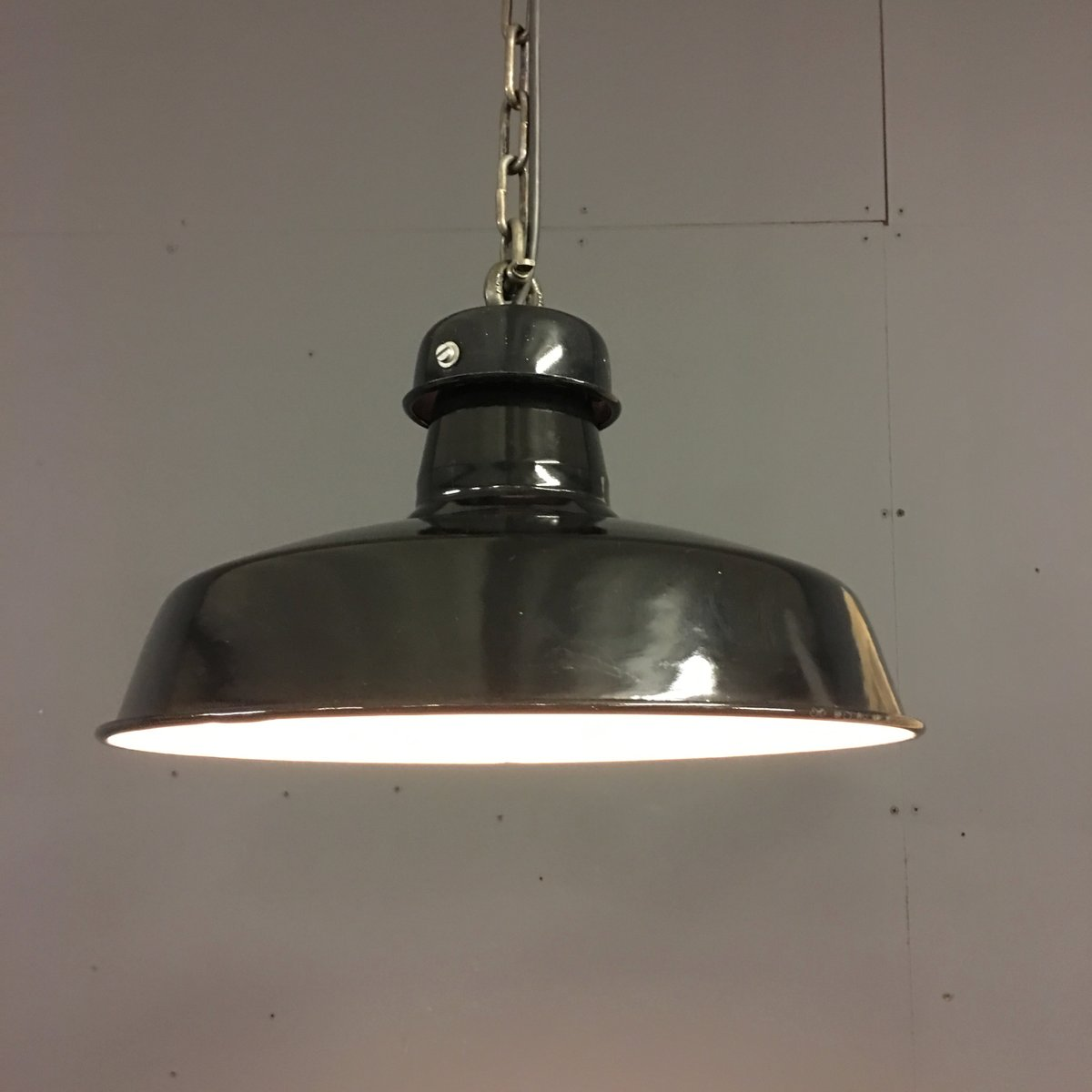 french industrial factory pendant light in black enamel 1920s for sale at pamono. Black Bedroom Furniture Sets. Home Design Ideas