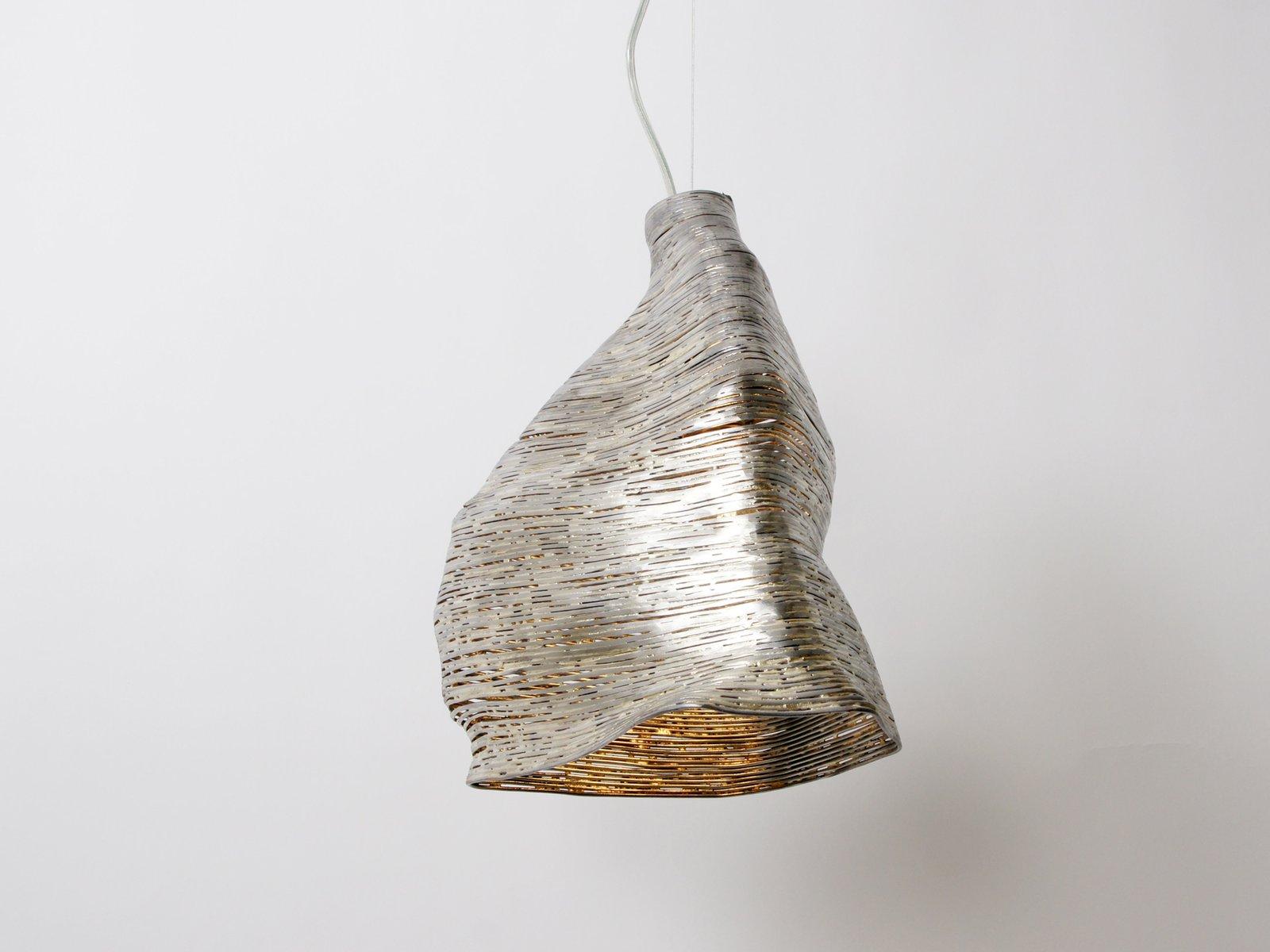Lampada a sospensione Wrap in legno di tiglio di Johannes Hemann in ...